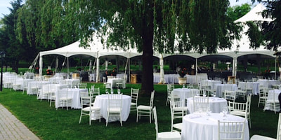 Outdoor wedding at Chateau Vaudreuil